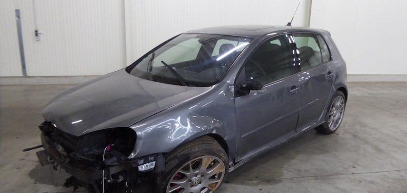 Unfaller: VW Golf 5 GTI Edition 30 (Typ 1K)
