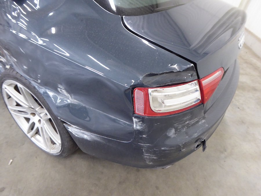 Unfaller: AUDI A5 Coupé 3.2 FSI Quattro (8T)